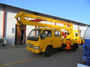 徐州海阳市供应17米路灯车蜜桃网