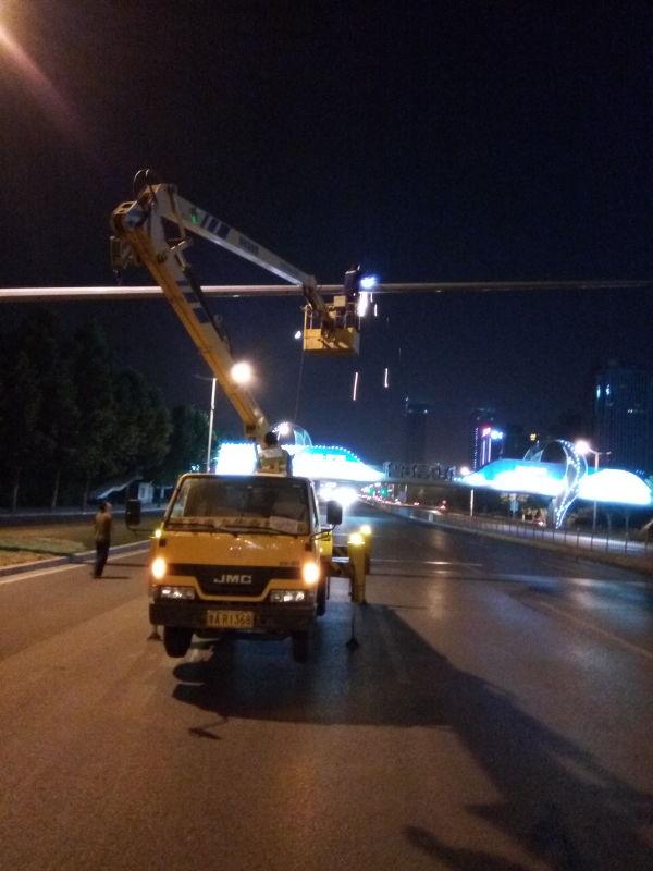 14米升降车蜜桃网在苏州检测施工